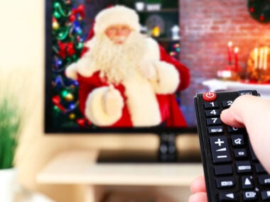 Lifestyle blogger, Bella Bucchiotti, of xoxoBella shares the best Christmas movie list ever. All the favourite holiday movies and Christmas classics in one movie list.