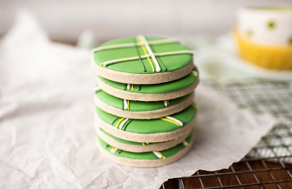 Food blogger, Bella Bucchiotti of xoxoBella, shares a recipe for gluten free sugar cookies for St, Patrick's Day. If you're looking for an easy Saint Patty's recipe, this is it!