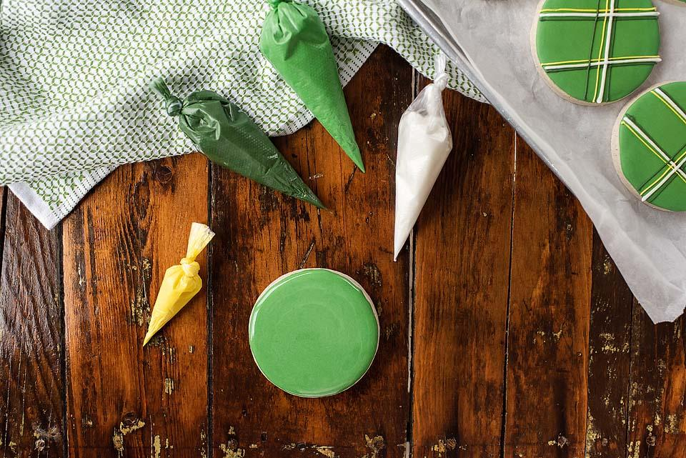 Food blogger, Bella Bucchiotti of xoxoBella, shares a recipe for gluten free sugar cookies for St, Patrick's Day. If you're looking for a St. Patrick's Day recipe, this is it!