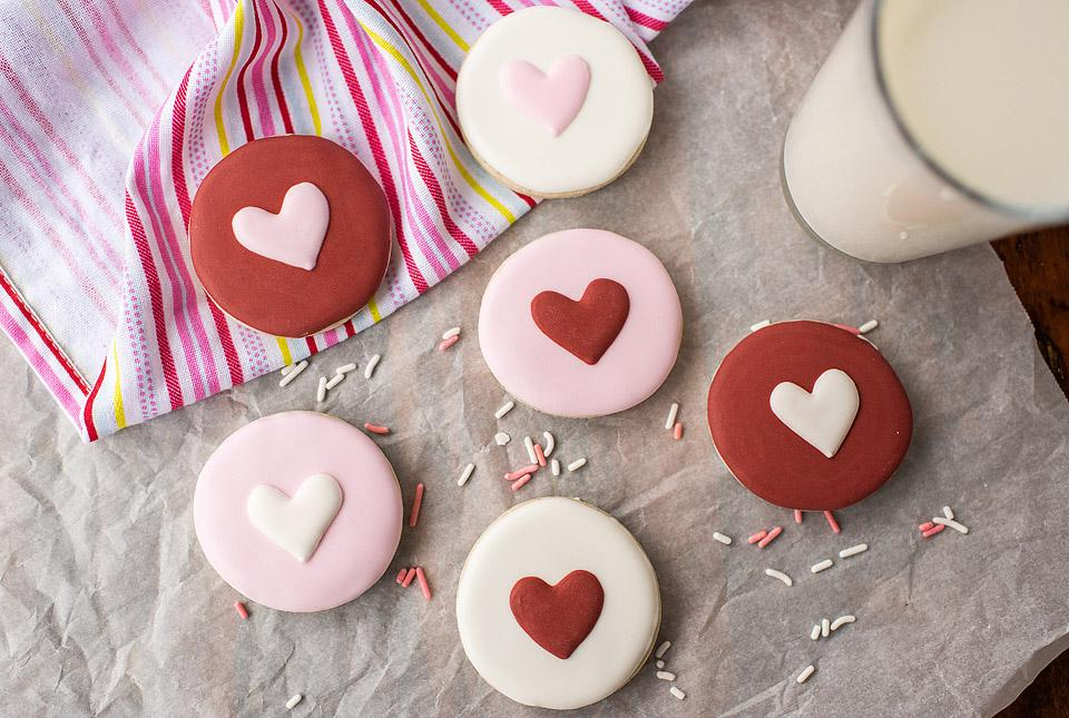 Food blogger, Bella Bucchiotti of xoxoBella shares a recipe for gluten free sugar cookies that are perfect for Valentine's Day. Valentine's sugar cookies are a great gluten free Valentine's treat.