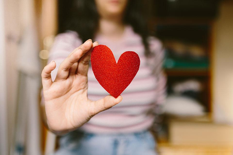 Lifestyle blogger, Bella Bucchiotti of xoxoBella shares a list of the top cheap Valentine's ideas and unique Valentine's ideas. This is what you need to read if you are looking for budget Valentine's ideas!