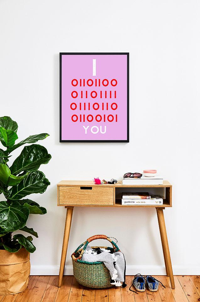 Lifestyle blogger, Bella Bucchiotti shares some free printable Valentine's Day wall art in binary love prints. There are two versions of this Valentine's Day printable art.