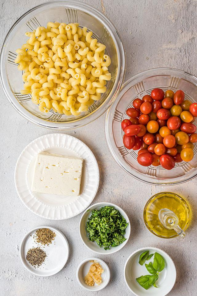 Food blogger, Bella Bucchiotti of xoxoBella, shares a recipe for  baked feta pasta. This viral Tik Tok feta pasta recipe is easy to make, and I know you will love this pasta made with feta cheese.