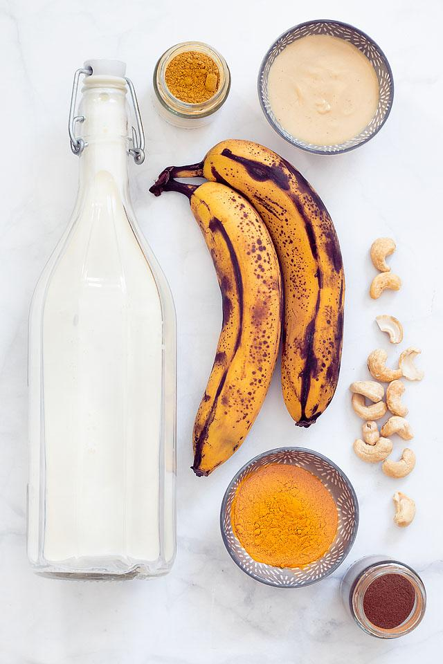 Food blogger, Bella Bucchiotti of xoxoBella, shares a banana smoothie with cashew butter. You will love this dairy free smoothie recipe!