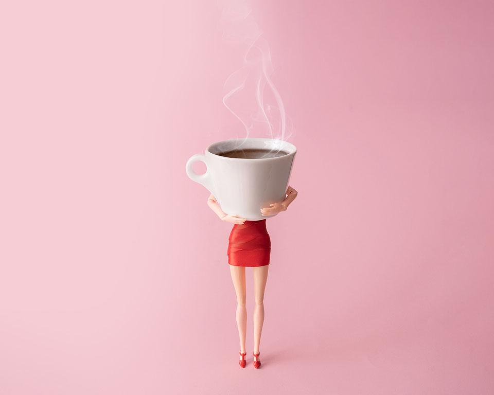 Lifestyle blogger, Bella Bucchiotti of xoxoBella, shares coffee Instagram captions and coffee puns that every coffee lover needs.