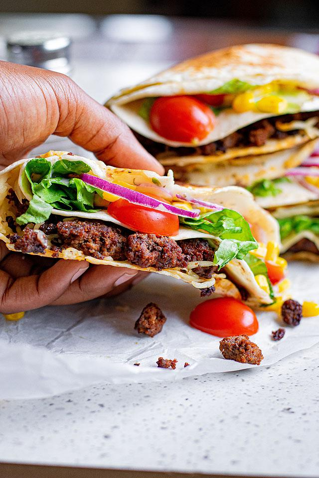 Food blogger, Bella Bucchiotti of xoxoBella, shares a beef tortilla folded wrap which is inspired by a Tik Tok folded tortilla recipe. This folded tortilla hack makes a crunchy beef tortilla!