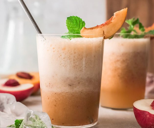 Food blogger, Bella Bucchiotti of xoxoBella, shares a frozen peach Bellini recipe. If you are a fan of peach and prosecco, you need to try this peach Bellini cocktail recipe.
