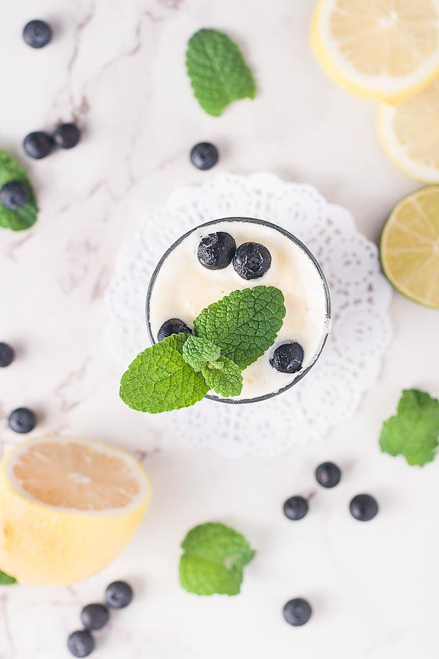 Food blogger, Bella Bucchiotti of xoxoBella, shares a sparkling blueberry ice cream float recipe. It is a great frozen or fresh blueberry recipe for a summer drink.