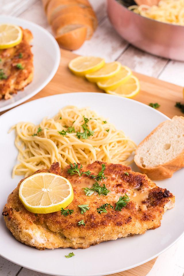 Food blogger, Bella Bucchiotti of xoxoBella, shares a recipe for garlic chicken piccata with angel hair pasta. You will love this easy chicken and pasta meal.
