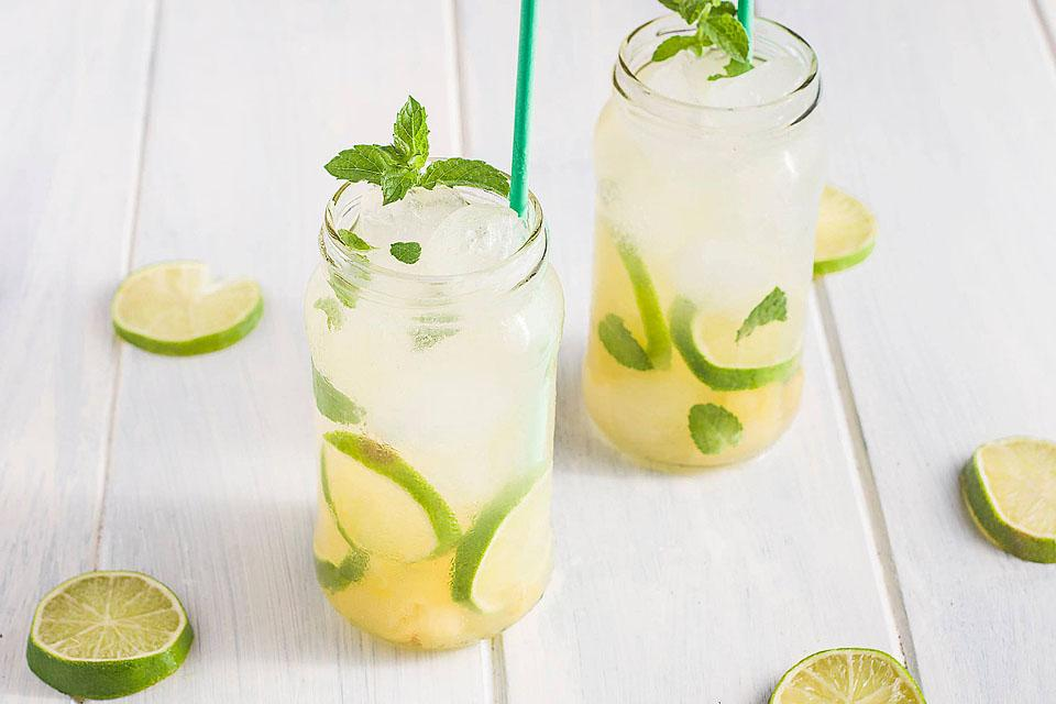 Food blogger, Bella Bucchiotti of xoxoBella, shares a  pineapple ginger mojito mocktail recipe. This pineapple ginger mocktail would be great for any occasion. It is the best pineapple mojito recipe!