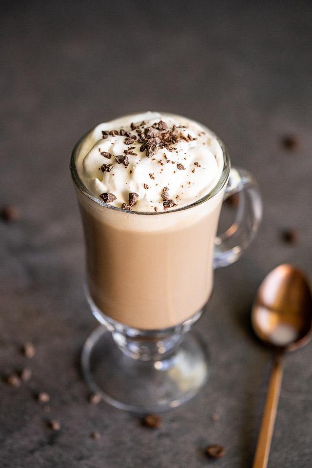 Food blogger, Bella Bucchiotti of xoxoBella, shares a recipe for Irish Cream coffee. You will enjoy a cup of Bailey's Irish cream and coffee!