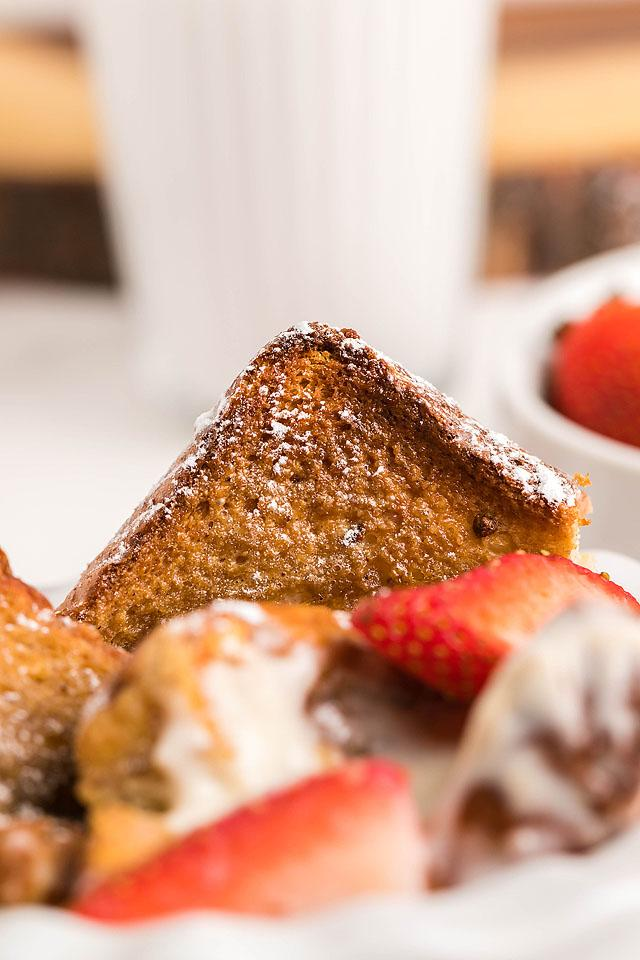 Food blogger, Bella Bucchiotti of xoxoBella, share a recipe for tiramisu French toast casserole made with Texas toast. You will love this overnight French toast breakfast.