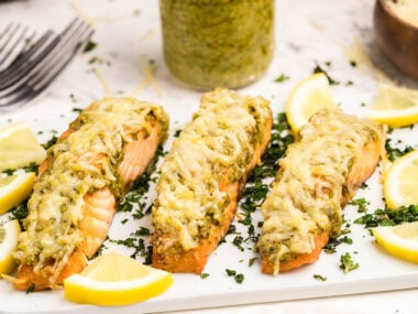 Food blogger, Bella Bucchiotti of xoxoBella, shares a recipe for air fryer parmesan pesto crusted salmon fillets. You will love this Italian salmon recipe and it is the easy way to cook salmon fillet.