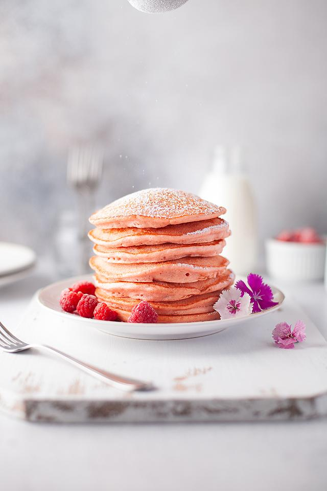 Food blogger, Bella Bucchiotti of xoxoBella, shares some fluffy pink pancakes. You will love these dye free pink pancakes.