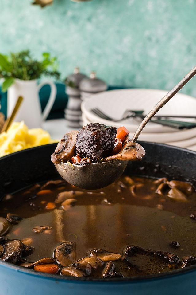 Food blogger, Bella Bucchiotti of xoxoBella, shares a recipe for boeuf bourguignon. It is like Julia Child's beef bourguignon recipe, and so easy to make.