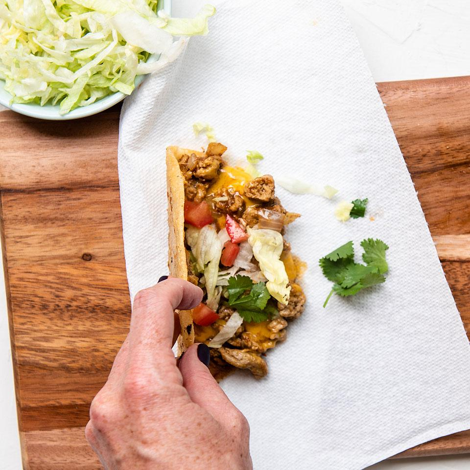 Food blogger, Bella Bucchiotti of xoxoBella, shares a recipe for crispy turkey tacos. If you are looking for a recipe with ground turkey, to this taco recipe!