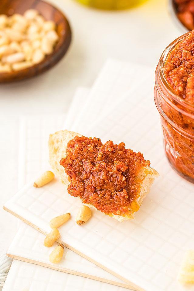 Food blogger, Bella Bucchiotti of xoxoBella, shares a sun dried tomato pesto recipe. You will love this red pesto recipe with sun dried tomatoes.