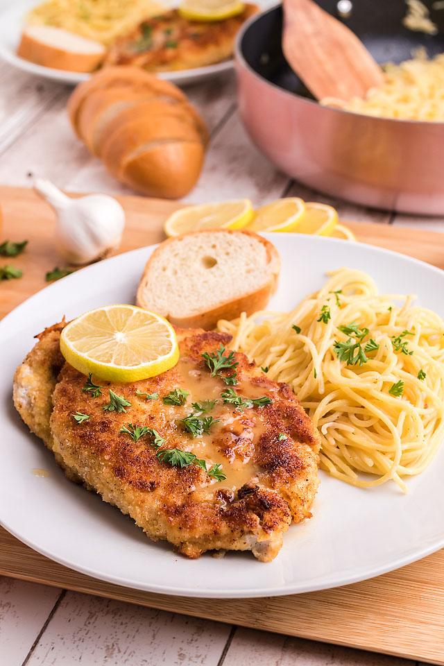 Food blogger, Bella Bucchiotti of xoxoBella, shares a recipe for garlic chicken piccata with angel hair pasta. You will love this gluten free chicken recipe.