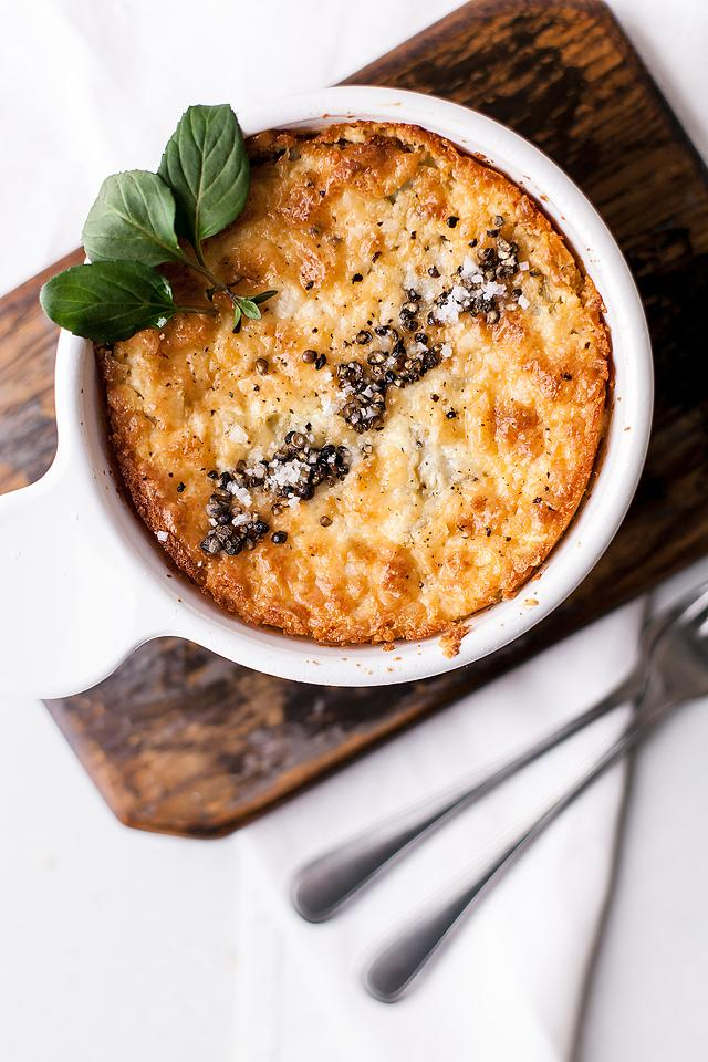 Food blogger, Bella Bucchiotti of xoxoBella, shares a baked artichoke dip recipe. You will love this hot artichoke appetizer! Give it a try if you are looking for an appetizer made with cream cheese.