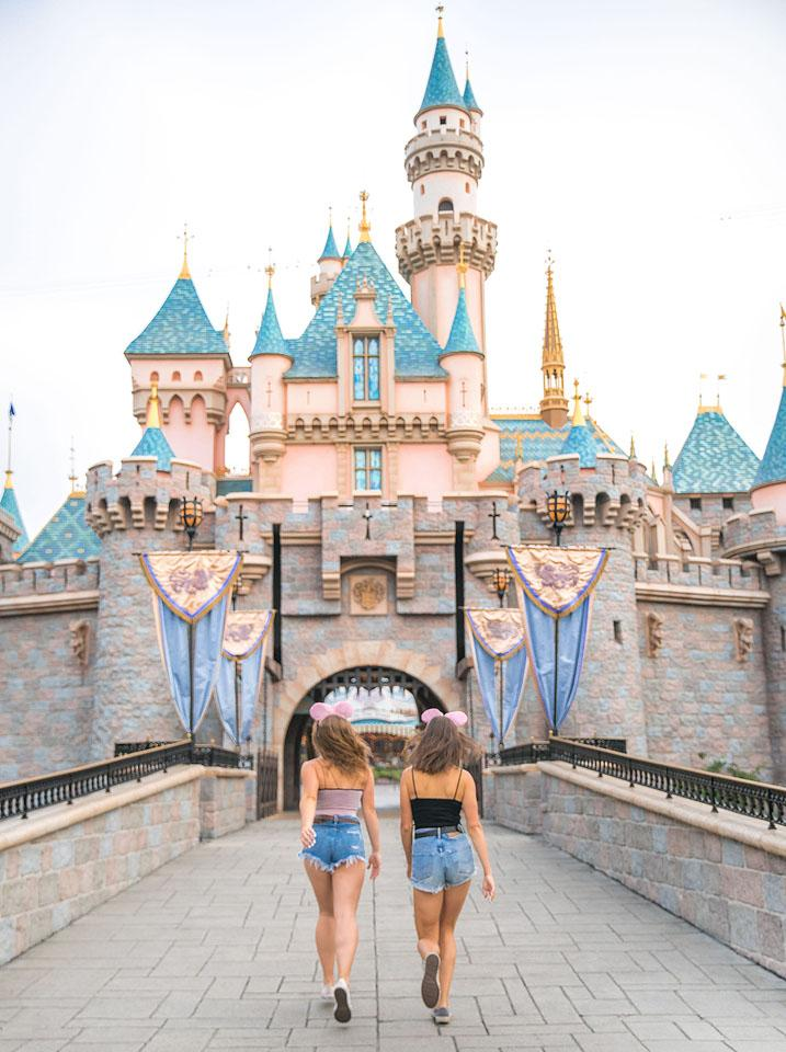 Lifestyle blogger, Bella Bucchiotti of xoxoBella, shares all the best captions, puns and quotes for Disney photos.