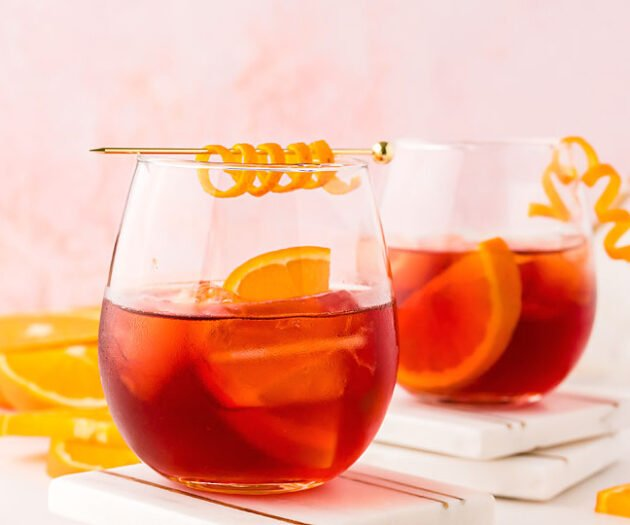Food blogger, Bella Bucchiotti of xoxoBella, shares how to make the best negroni cocktail. You will love this classic Italian cocktail!