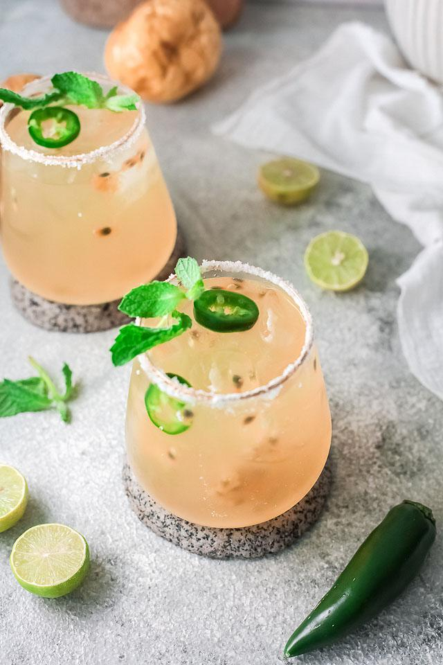 Food blogger, Bella Bucchiotti of xoxoBella, shares a passion fruit lime margarita recipe. You will love this passion fruit and lime cocktail.