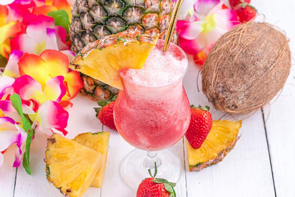 Food blogger, Bella Bucchiotti of xoxoBella, shares a Hawaiian lava flow cocktail recipe. You will love this cocktail with rum.