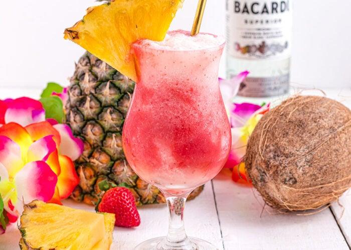 Food blogger, Bella Bucchiotti of xoxoBella, shares a Hawaiian lava flow cocktail recipe. You will love this Hawaiian tropical drink.