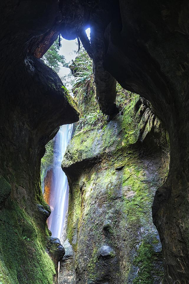 Travel blogger, Bella Bucchiotti of xoxoBella, shares about her weekend in Sooke British Columbia on Vancouver Island. Visit Mystic Beach, Sooke Potholes, Juan de Fuca Trail, Sombrio Beach and more.
