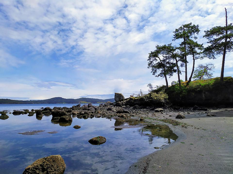 Travel blogger, Bella Bucchiotti of xoxoBella, shares about her weekend in Sooke British Columbia on Vancouver Island. There is so much to see and do in Sooke!