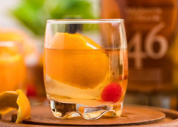 Food blogger, Bella Bucchiotti of xoxoBella, shares a recipe for a bourbon old fashioned cocktail. You will love this drink you can make with bourbon.