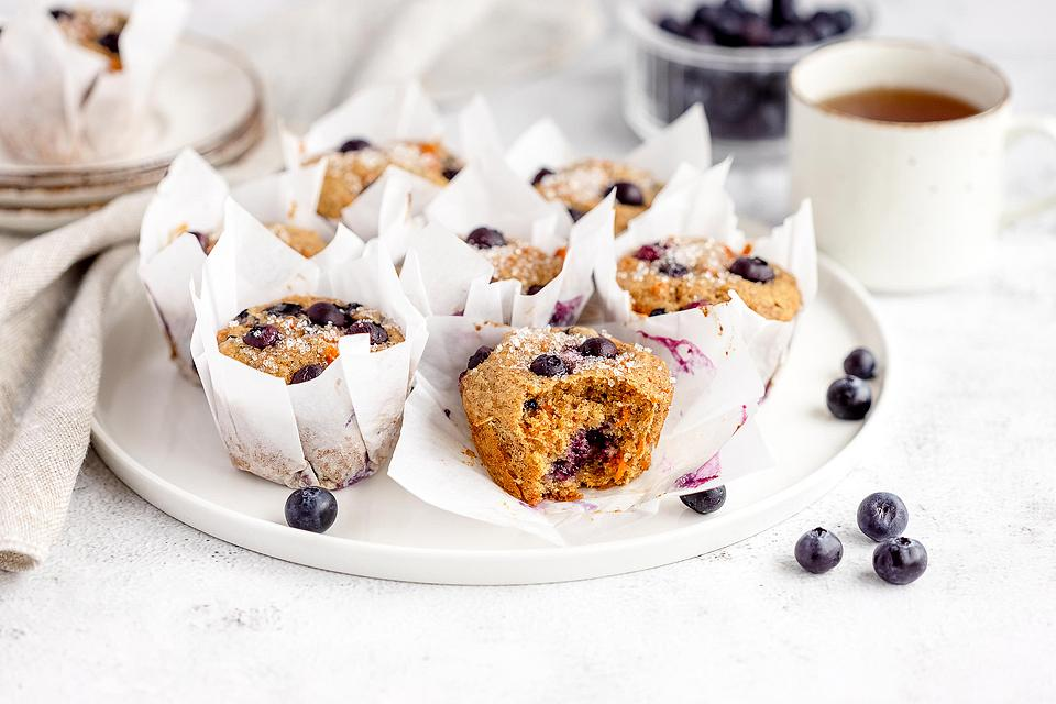 Food blogger, Bella Bucchiotti of xoxoBella, shares a recipe for carrot blueberry muffins and DIY parchment tulip muffins liners.