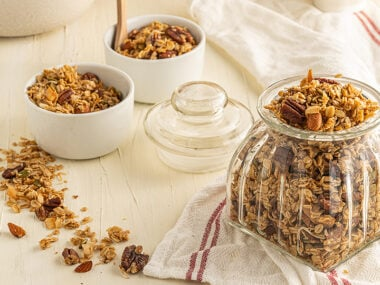 Food blogger, Bella Bucchiotti of xoxoBella, shares a recipe for vegan gluten free granola. This easy homemade granola is the best part of a healthy breakfast.