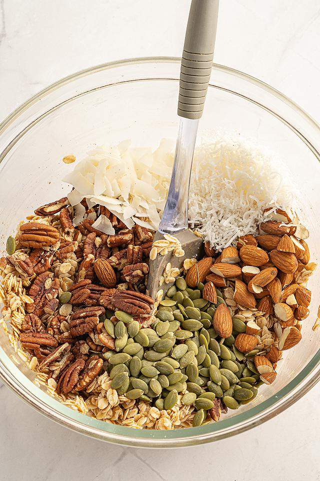 Food blogger, Bella Bucchiotti of xoxoBella, shares a recipe for vegan gluten free granola. Learn how to make granola at home.
