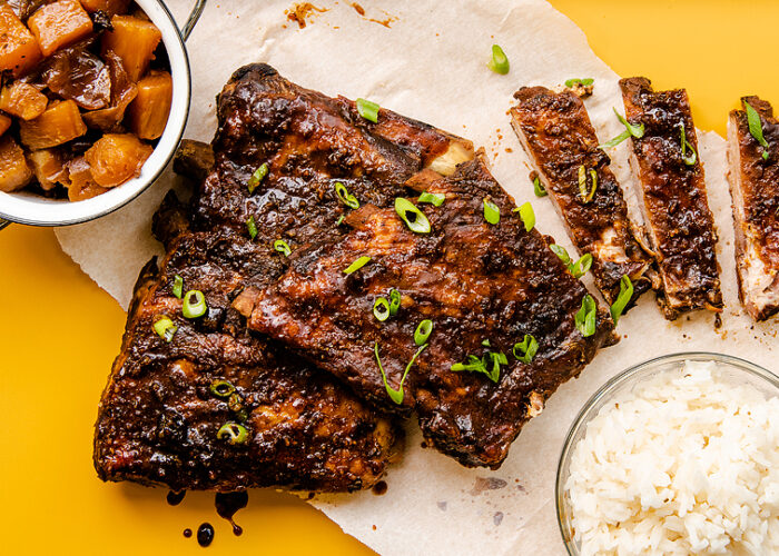 Food blogger, Bella Bucchiotti of xoxoBella, shares a recipe for slow cooker Hawaiian ribs that fall off the bone.
