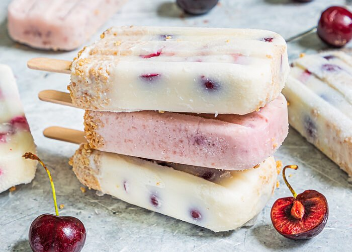 Food blogger, Bella Bucchiotti of xoxoBella, shares a recipe for cherry cheesecake popsicles. You will love this recipe with fresh cherries!