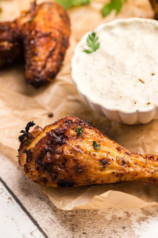 Food blogger, Bella Bucchiotti of xoxoBella, shares a air fryer chipotle chicken wings with buttermilk firecracker ranch recipe. You will love this homemade firecracker ranch dressing.