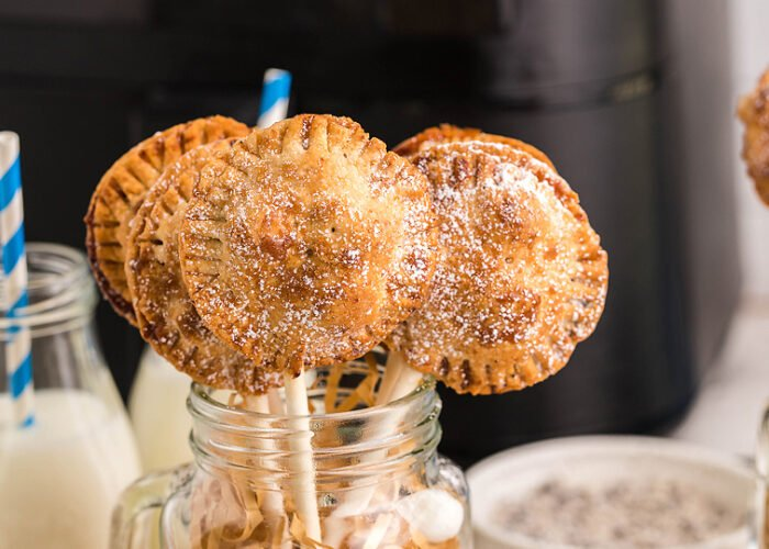 Food blogger, Bella Bucchiotti of xoxoBella, shares a recipe for air fryer s'more pie pops with Nutella. You will love these easy s'more treats.