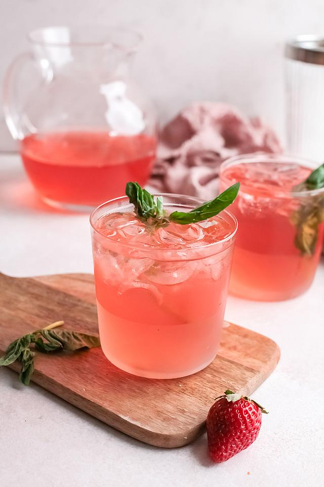 Food blogger, Bella Bucchiotti of xoxoBella, shares a strawberry gin rickey cocktail recipe. It is a tasty variation on a classic gin rickey.