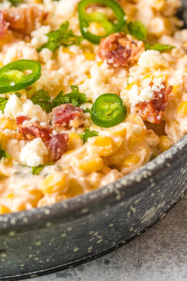Food blogger, Bella Bucchiotti of xoxoBella, shares a spicy corn and jalapeño cheese dip recipe. You will love this cheesey Mexican-style appetizer.