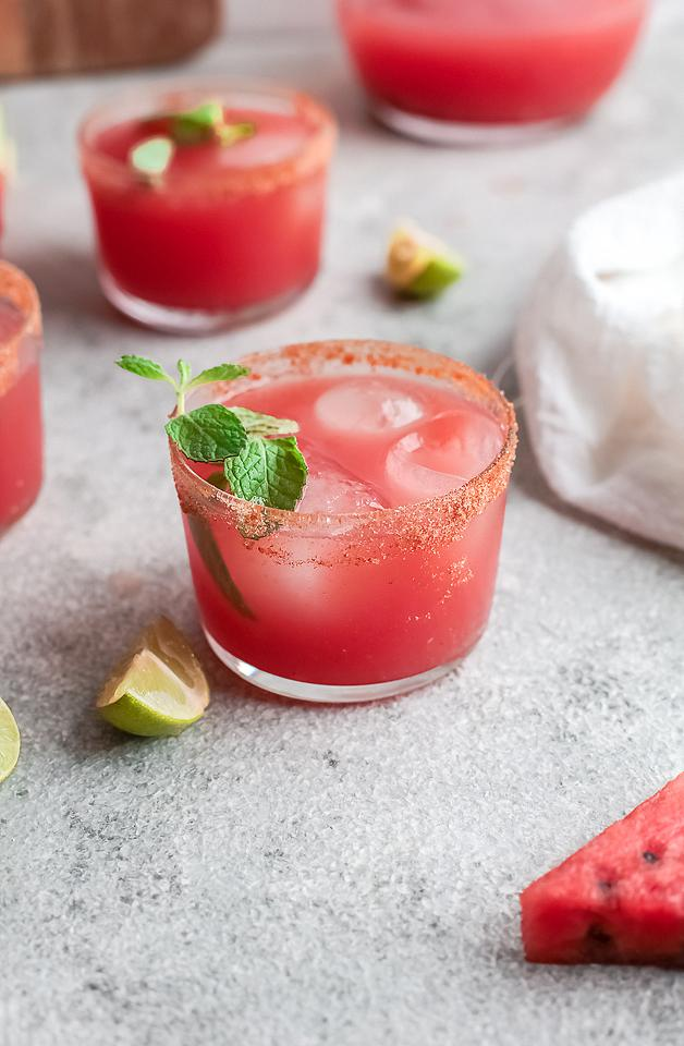 Food blogger, Bella Bucchiotti of xoxoBella, sharea a watermelon paloma cocktail. You will love this cocktail made with watermelon juice.