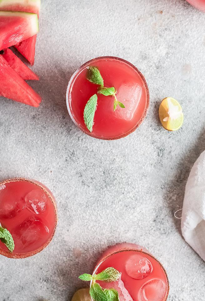 Food blogger, Bella Bucchiotti of xoxoBella, sharea a watermelon paloma cocktail. You will love this easy summer cocktail recipe.