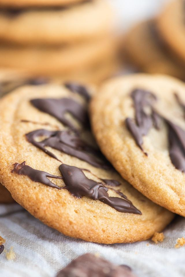 Food blogger, Bella Bucchiotti of xoxoBella, shares a recipe for Mars bar stuffed cookies. Learn how to make stuffed cookies.