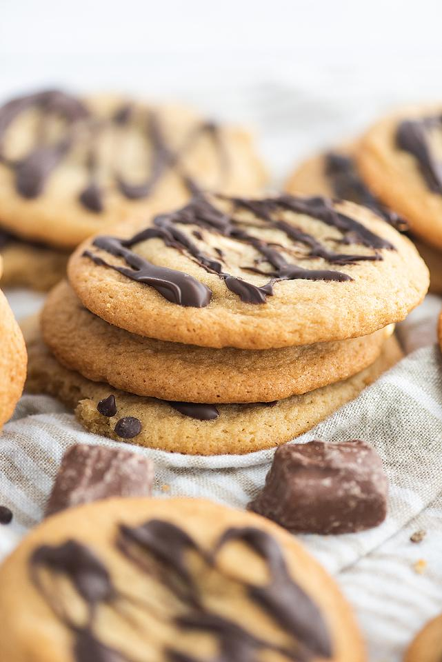 Food blogger, Bella Bucchiotti of xoxoBella, shares a recipe for Mars bar stuffed cookies. You will love this tasty stuffed cookie.