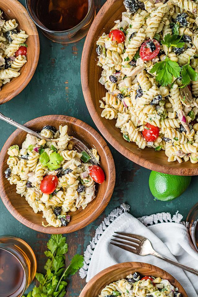 Food blogger, Bella Bucchiotti of xoxoBella, shares a zesty Tex Mex chicken pasta salad. You will love this southwest pasta salad with chicken.