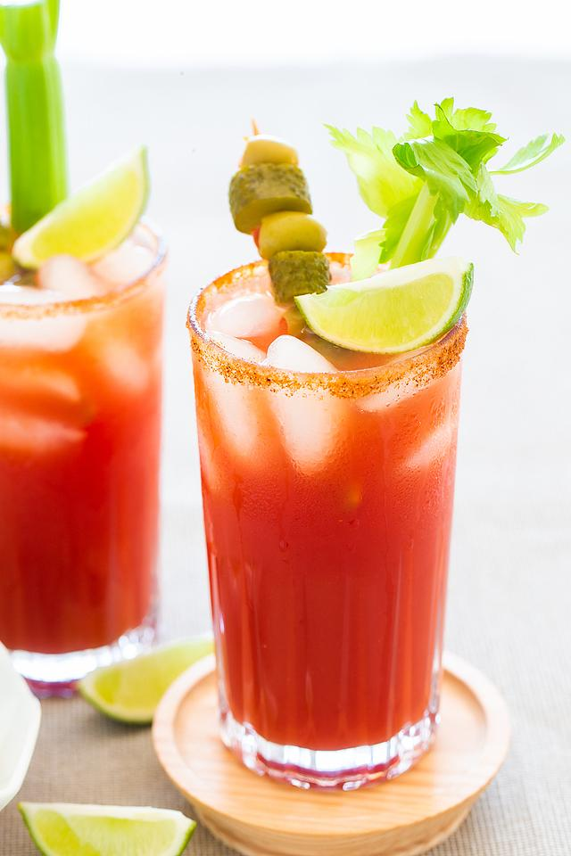 Food blogger, Bella Bucchiotti of xoxoBella, shares a recipe for a classic Canadian Caesar. You will love this Bloody Mary with clamato juice.