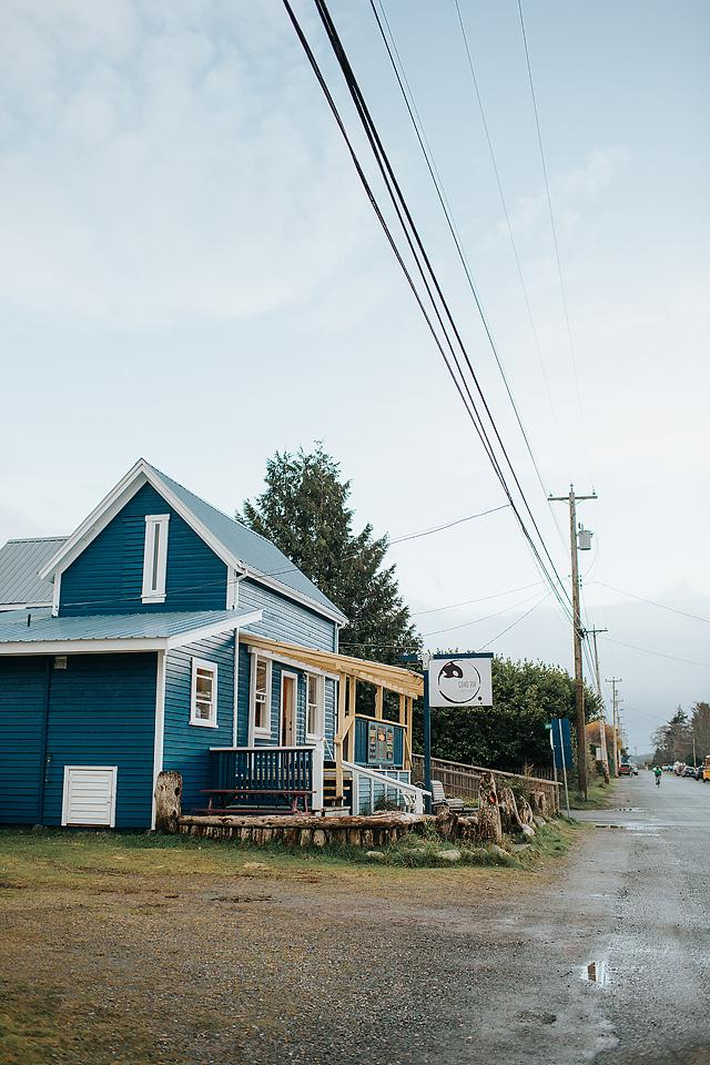 Travel blogger, Bella Bucchiotti of xoxoBella, shares a comprehensive list of all the places to visit and things to do in Vancouver Island North.