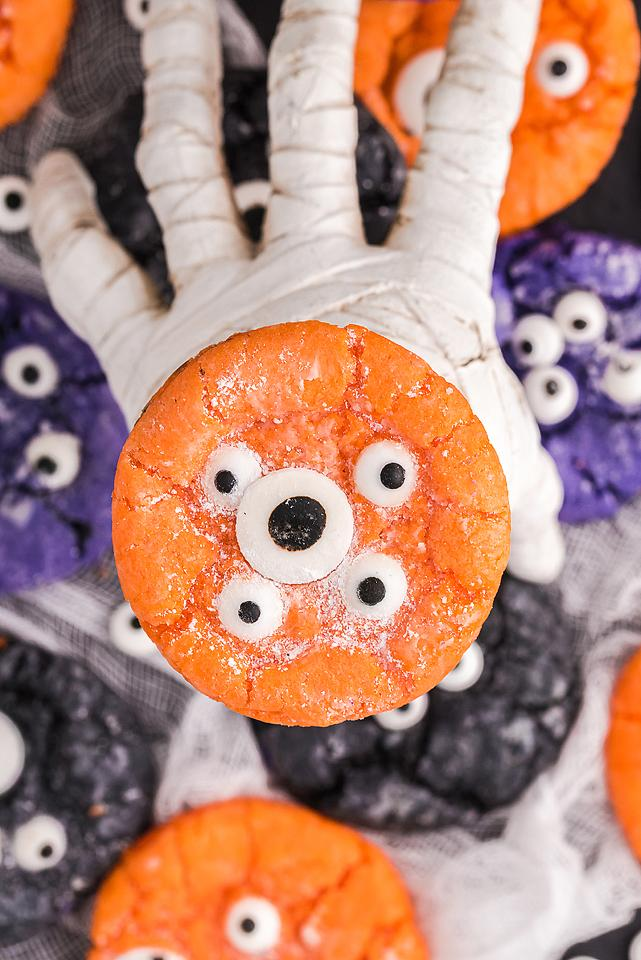 Food blogger, Bella Bucchiotti of xoxoBella, shares a recipe for Halloween monster eye crinkle cookies. You will love these cake mix Halloween cookies.
