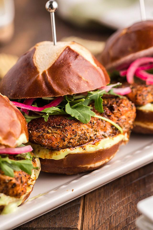 Food blogger, Bella Bucchiotti of xoxoBella, shares a recipe for smoked blackend salmon sliders with wasabi mayo and pickled red onions. You will love this smoked salmon recipe!