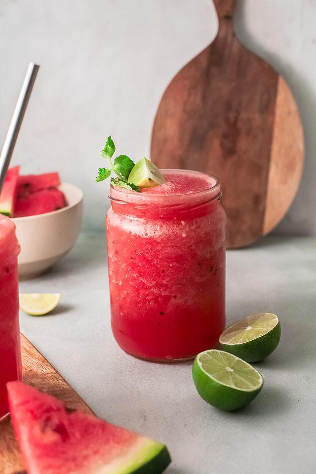 Food blogger, Bella Bucchiotti of xoxoBella, shares a watermelon white wine slushie recipe. You will love this Pinot Grigio slushie.